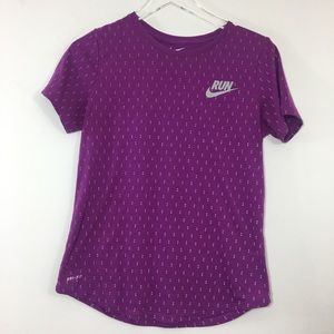 Dri Fit Nike RUN Tee Polka Dot V Neck